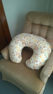 DIY Easy-Peasy Nursing Pillow Cover
